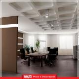 piso laminado de madeira colocado para sala