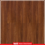 piso laminado de madeira colocado