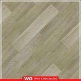 piso laminado de madeira colocado para sala Cipava
