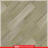 piso laminado de madeira colocado para sala Remédios